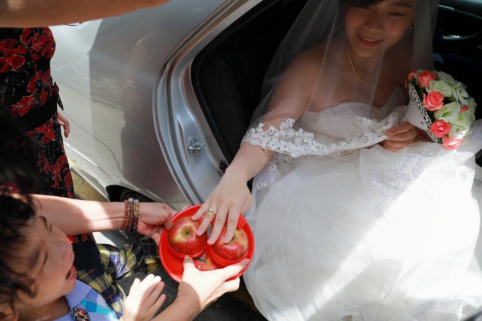台北婚攝小游@基隆港海產樓 倫與艷婚禮紀錄 饅頭爸團隊0616_Blog_044.JPG