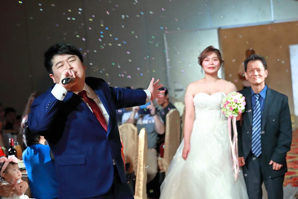 台北婚攝小游@基隆港海產樓 倫與艷婚禮紀錄 饅頭爸團隊0616_Blog_079.JPG