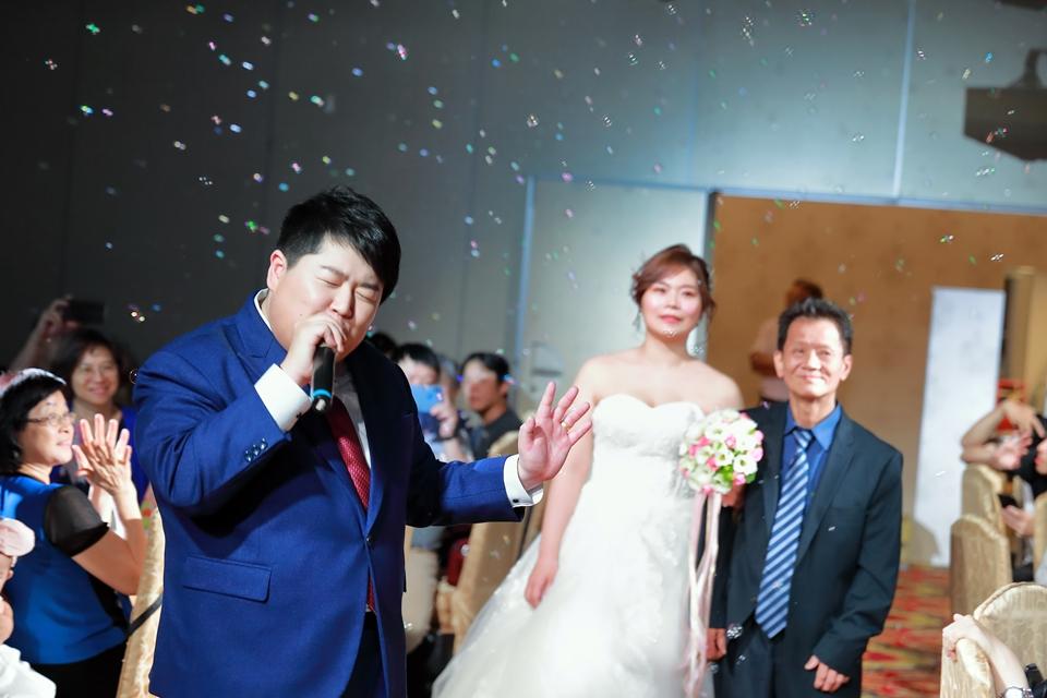 台北婚攝小游@基隆港海產樓 倫與艷婚禮紀錄 饅頭爸團隊0616_Blog_080.JPG