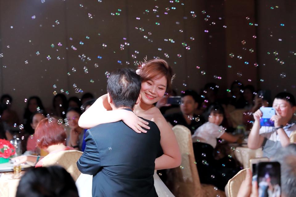 台北婚攝小游@基隆港海產樓 倫與艷婚禮紀錄 饅頭爸團隊0616_Blog_082.JPG