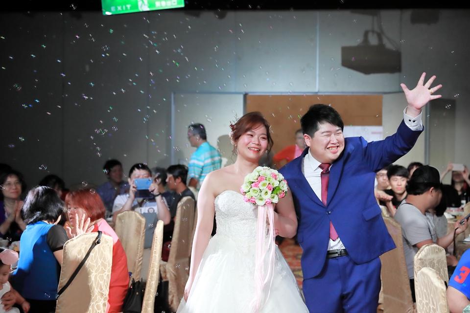 台北婚攝小游@基隆港海產樓 倫與艷婚禮紀錄 饅頭爸團隊0616_Blog_083.JPG