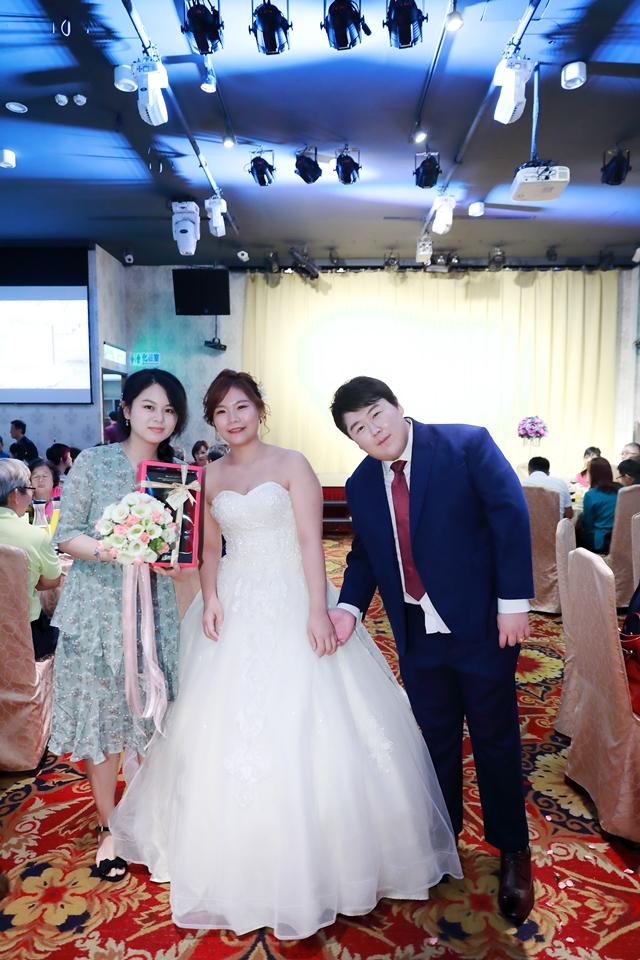 台北婚攝小游@基隆港海產樓 倫與艷婚禮紀錄 饅頭爸團隊0616_Blog_089.JPG
