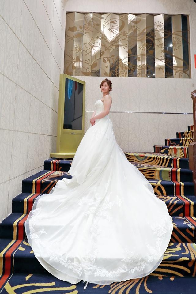 台北婚攝小游@基隆港海產樓 倫與艷婚禮紀錄 饅頭爸團隊0616_Blog_093.JPG