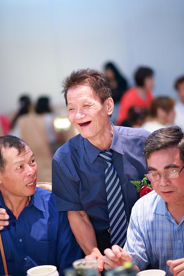 台北婚攝小游@基隆港海產樓 倫與艷婚禮紀錄 饅頭爸團隊0616_Blog_098.JPG