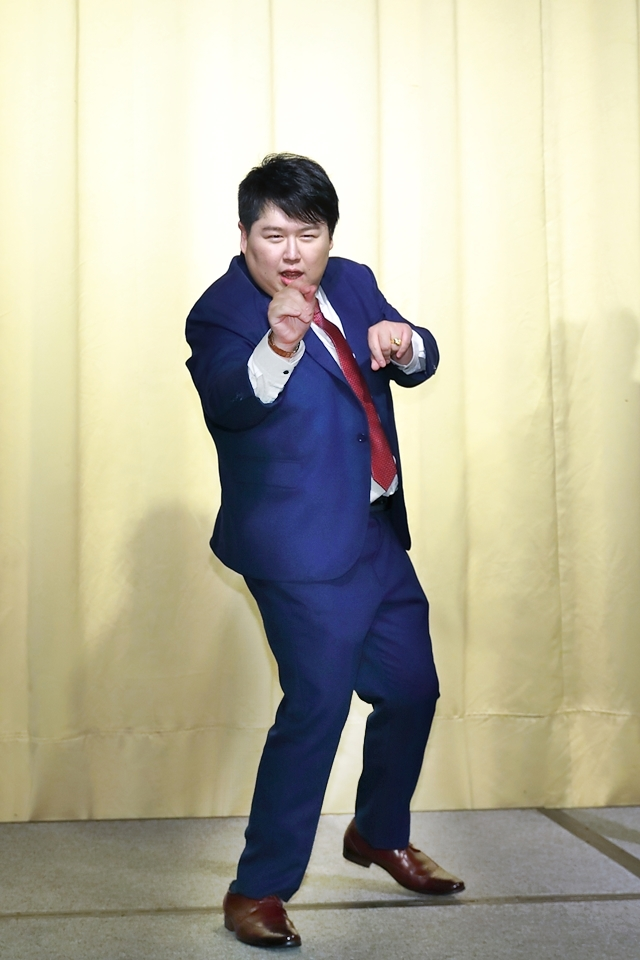 台北婚攝小游@基隆港海產樓 倫與艷婚禮紀錄 饅頭爸團隊0616_Blog_104.JPG