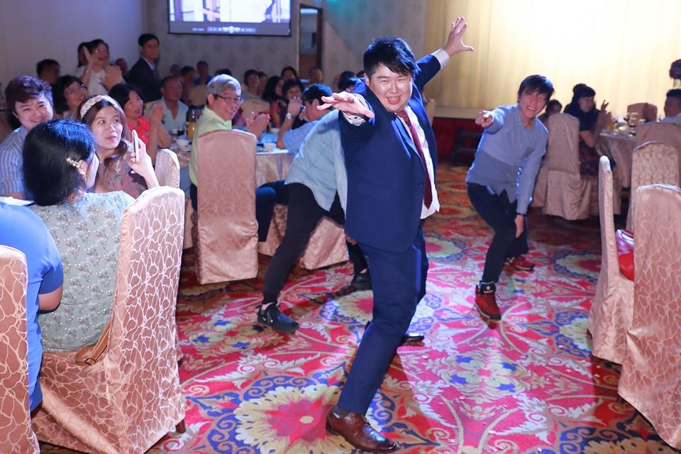 台北婚攝小游@基隆港海產樓 倫與艷婚禮紀錄 饅頭爸團隊0616_Blog_116.JPG