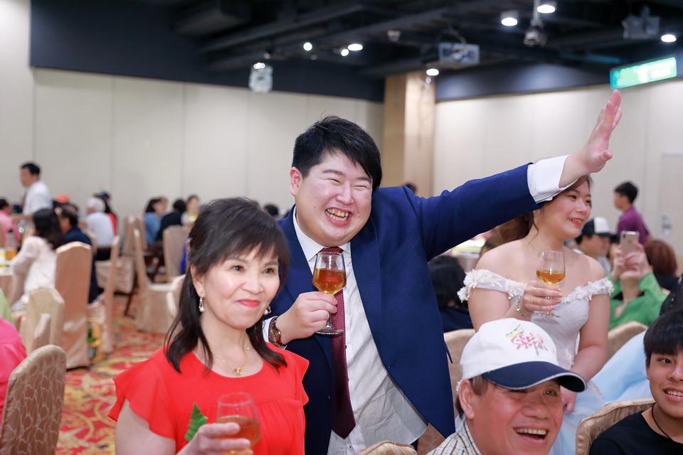 台北婚攝小游@基隆港海產樓 倫與艷婚禮紀錄 饅頭爸團隊0616_Blog_128.JPG