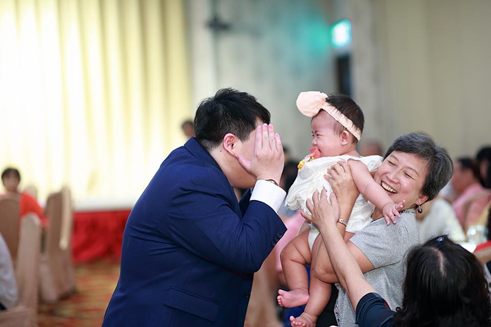 台北婚攝小游@基隆港海產樓 倫與艷婚禮紀錄 饅頭爸團隊0616_Blog_139.JPG
