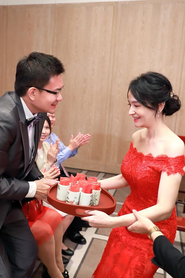 台北婚攝小游@萬豪酒店 翔與瑄 儀式宴客紀錄 饅頭爸團隊0831_Blog_031.jpg