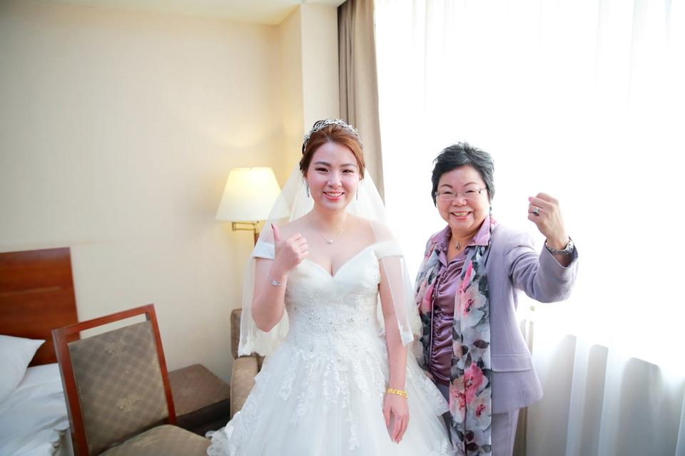 台北婚攝小游@桃園尊爵 緯與如婚禮紀錄 饅頭爸團隊1026_Blog_070.JPG