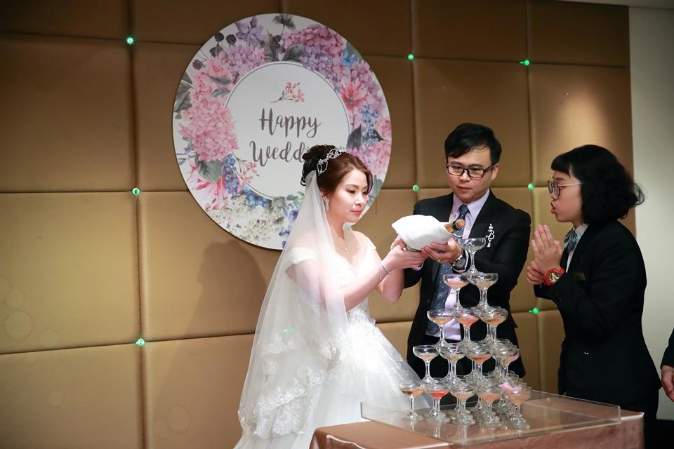 台北婚攝小游@桃園尊爵 緯與如婚禮紀錄 饅頭爸團隊1026_Blog_082.JPG