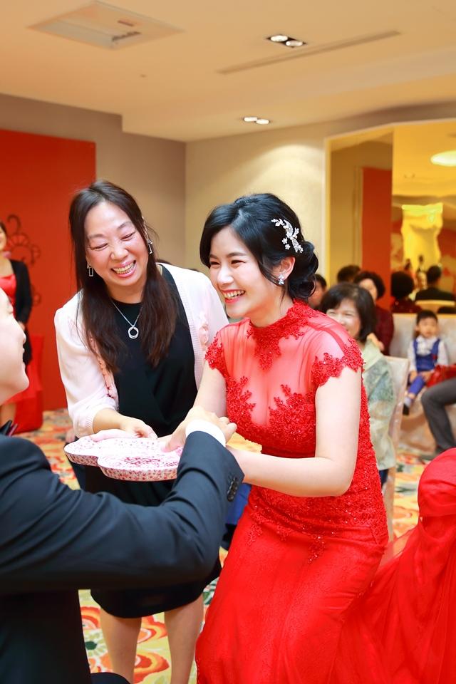 台北婚攝小游@88號樂章婚宴會館 宏與苓婚禮紀錄 饅頭爸團隊1027_blog_023.JPG