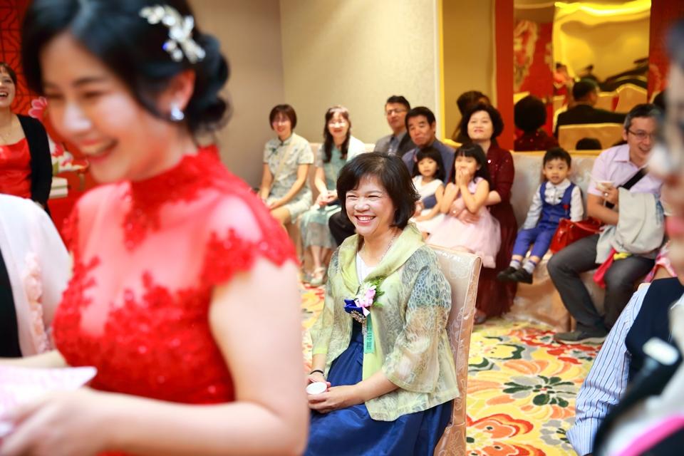 台北婚攝小游@88號樂章婚宴會館 宏與苓婚禮紀錄 饅頭爸團隊1027_blog_025.JPG