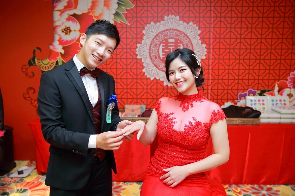 台北婚攝小游@88號樂章婚宴會館 宏與苓婚禮紀錄 饅頭爸團隊1027_blog_036.JPG