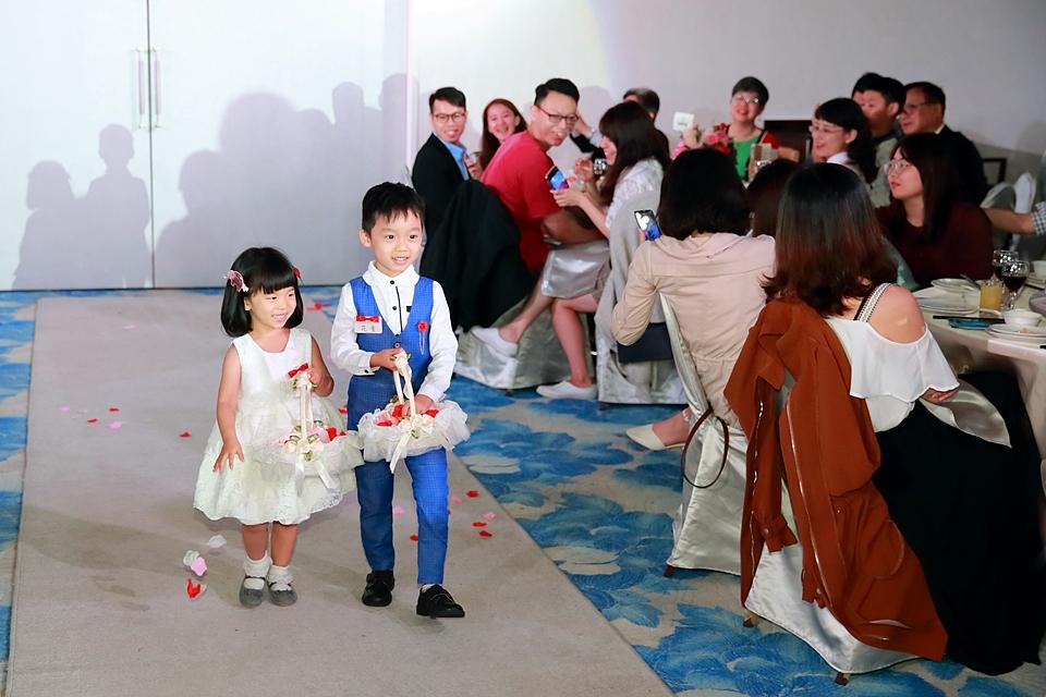 台北婚攝小游@88號樂章婚宴會館 宏與苓婚禮紀錄 饅頭爸團隊1027_blog_097.JPG