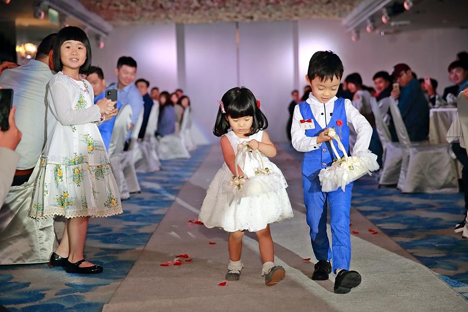 台北婚攝小游@88號樂章婚宴會館 宏與苓婚禮紀錄 饅頭爸團隊1027_blog_098.JPG