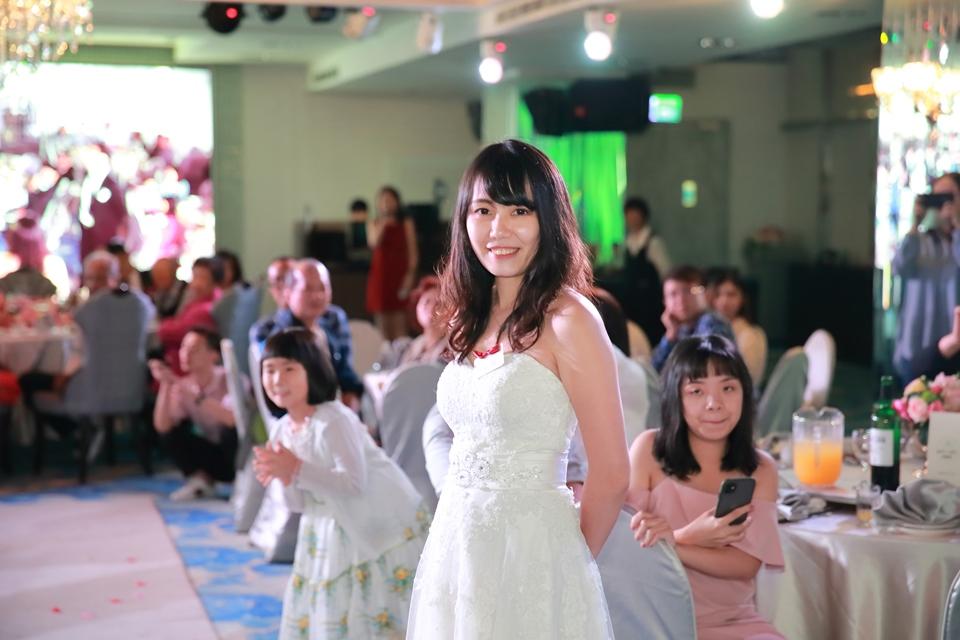台北婚攝小游@88號樂章婚宴會館 宏與苓婚禮紀錄 饅頭爸團隊1027_blog_101.JPG