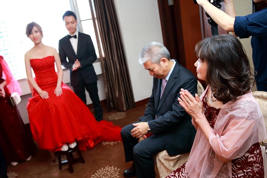 台北婚攝小游@公務人員福華文教會館 培與家婚禮紀錄 饅頭爸團隊1102_Blog_015.JPG
