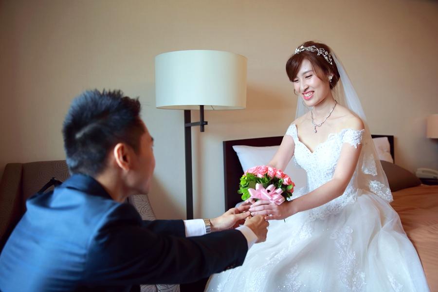 台北婚攝小游@公務人員福華文教會館 培與家婚禮紀錄 饅頭爸團隊1102_Blog_045.jpg