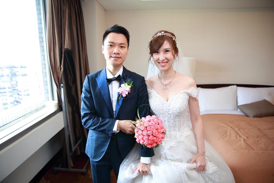 台北婚攝小游@公務人員福華文教會館 培與家婚禮紀錄 饅頭爸團隊1102_Blog_047.JPG