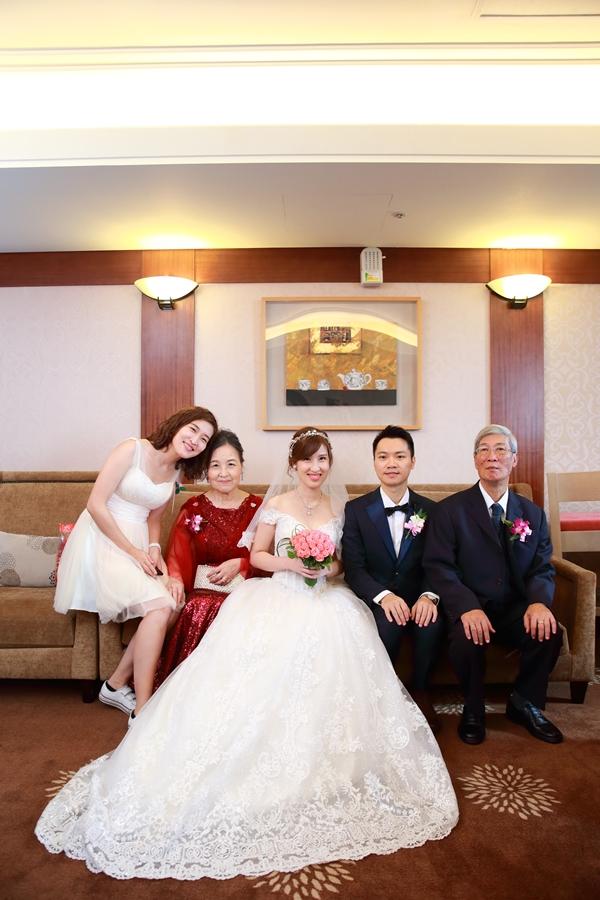 台北婚攝小游@公務人員福華文教會館 培與家婚禮紀錄 饅頭爸團隊1102_Blog_048.JPG