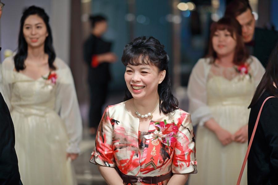 台北婚攝小游@中信雅悅會館 宏與錡教堂婚禮紀錄 饅頭爸團隊1215_Blog_110.jpg