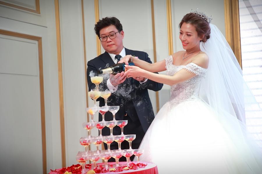 台北婚攝小游@101頂鮮 霖與蓓婚宴紀錄 饅頭爸團隊0301_Blog_042.jpg