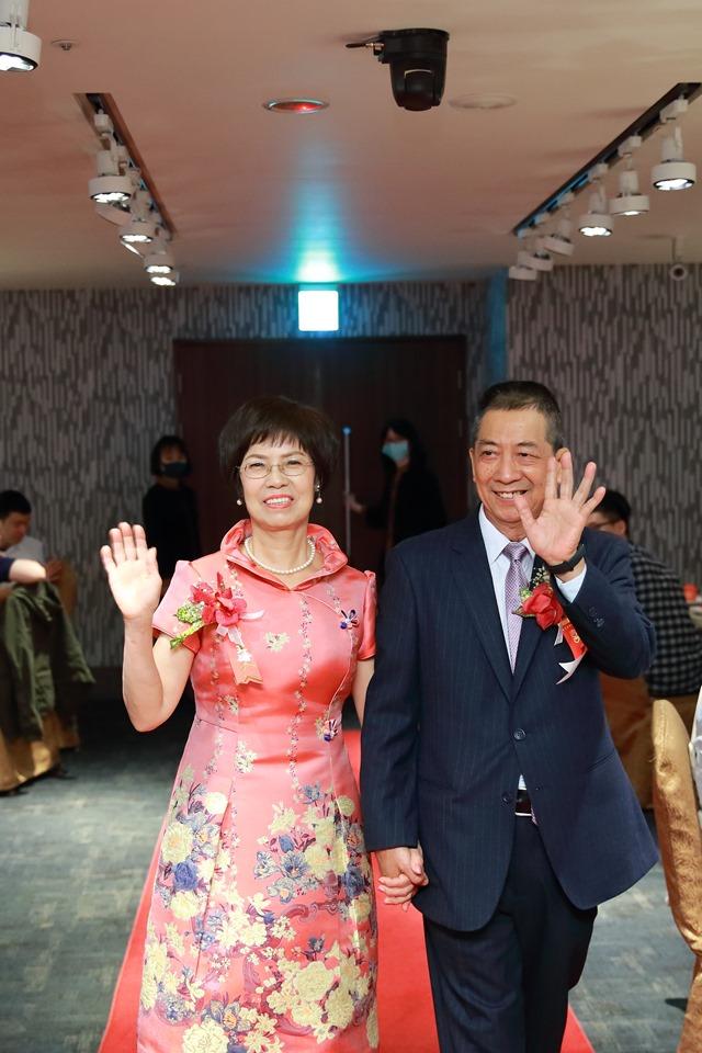 婚攝小游@台北凱薩 維與玫 訂結婚禮紀錄1121_Blog_099.JPG