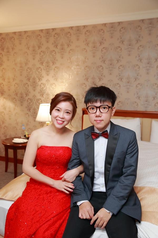 台北婚攝小游@基隆長榮與澎園 翰與涵 訂結婚禮紀錄 饅頭爸團隊1212_Blog_011.jpg