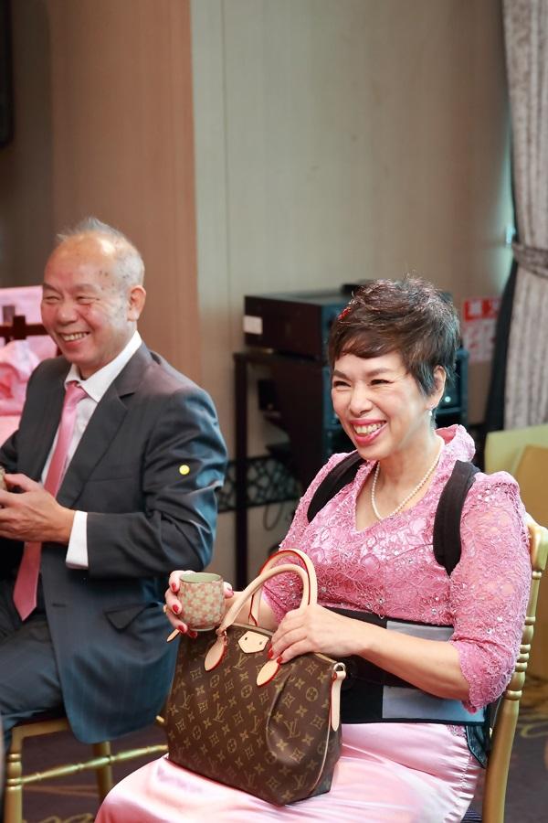 台北婚攝小游@基隆長榮與澎園 翰與涵 訂結婚禮紀錄 饅頭爸團隊1212_Blog_027.jpg
