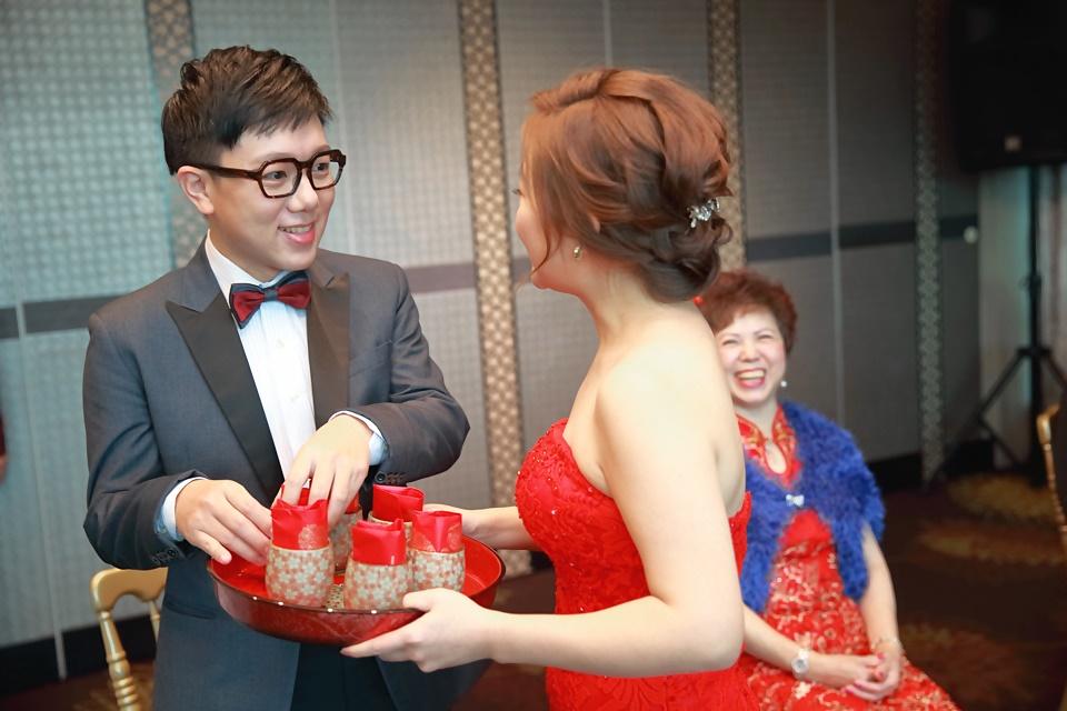 台北婚攝小游@基隆長榮與澎園 翰與涵 訂結婚禮紀錄 饅頭爸團隊1212_Blog_030.jpg